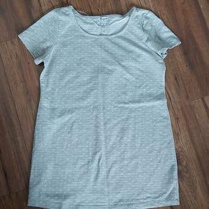 Maternity shirt- Size Large